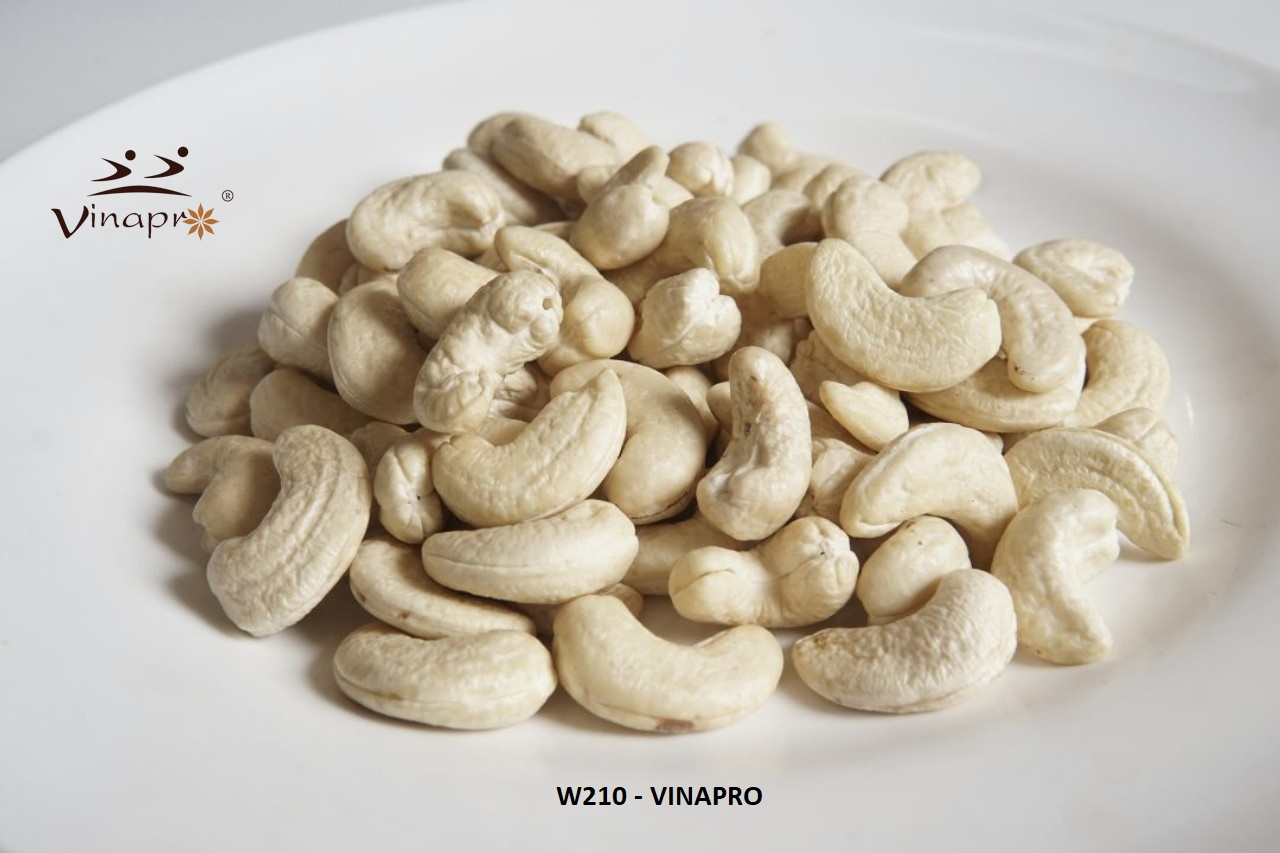 CASHEW NUTS WW210