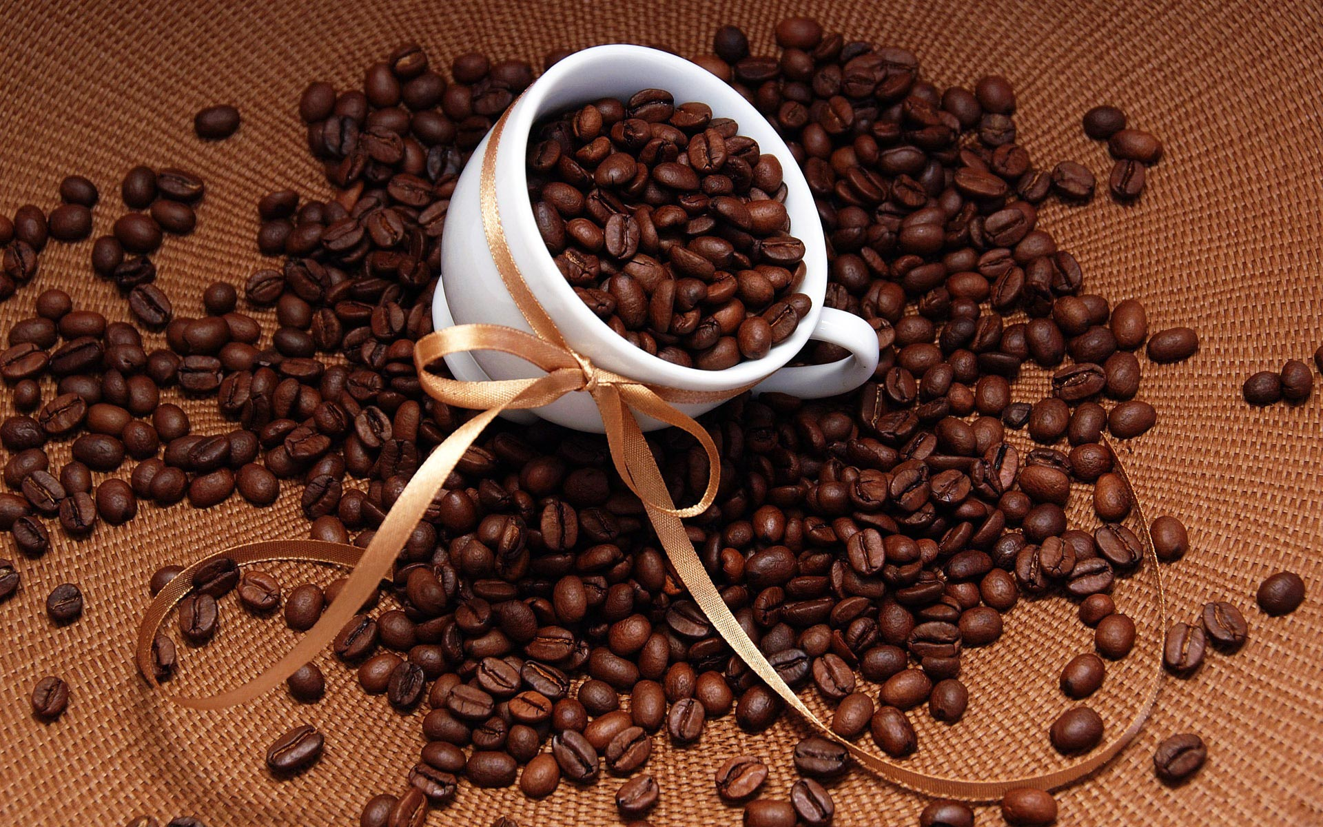 Arabica Prices Rise in March While Robusta Falls