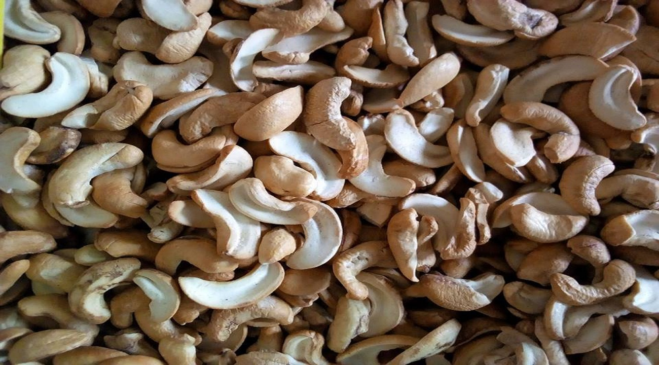 NUTRITIONAL VALUE AND BENEFITS OF CASHEW NUTS
